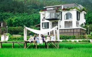 Архитектура: 7 подруг выкупили недостроенный особняк, чтобы превратить его в дом, в котором проведут безоблачную старость
