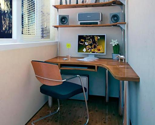 Полукруглый компьютерный стол
